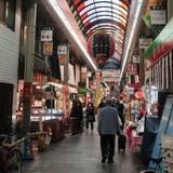 関西外食、コロナ感染拡大に伴うインバウンド減で観光地と都心が打撃、巣ごもり傾向の地元客つかみ郊外店は健闘
